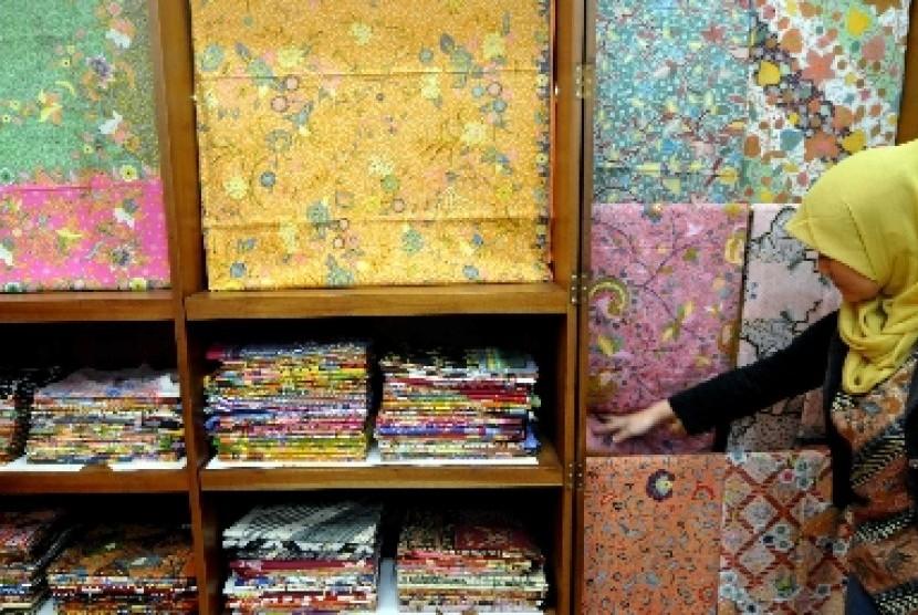 Ragam Ukuran Batik Modern, Ukur Badan Sebelum Beli Baju