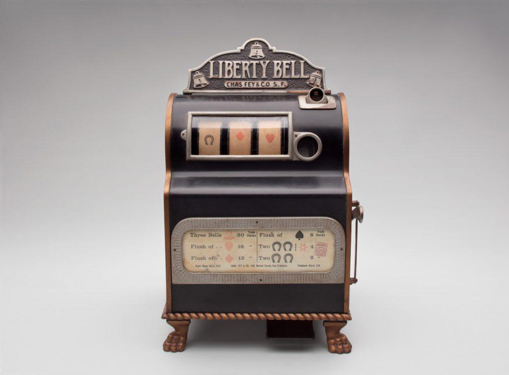 Sejarah Kemunculan dan Perkembangan Mesin Slot Casino Tipe Klasik